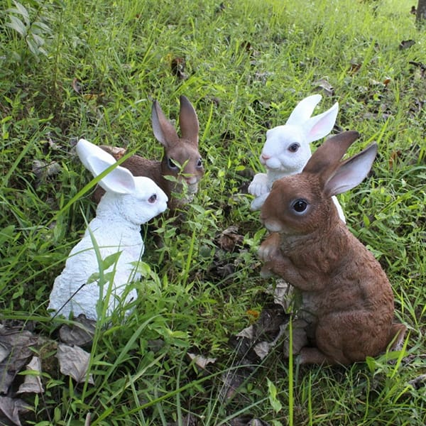 Resin Animal Garden Decoration Lifelike Rabbit Statue