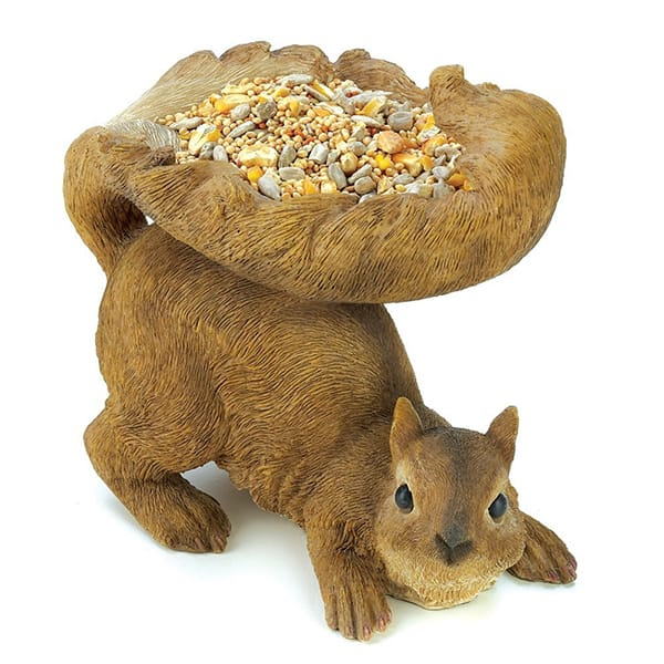 Resin Handcraft Natural Color Squirrel Figurine Outdoor Birdfeeder