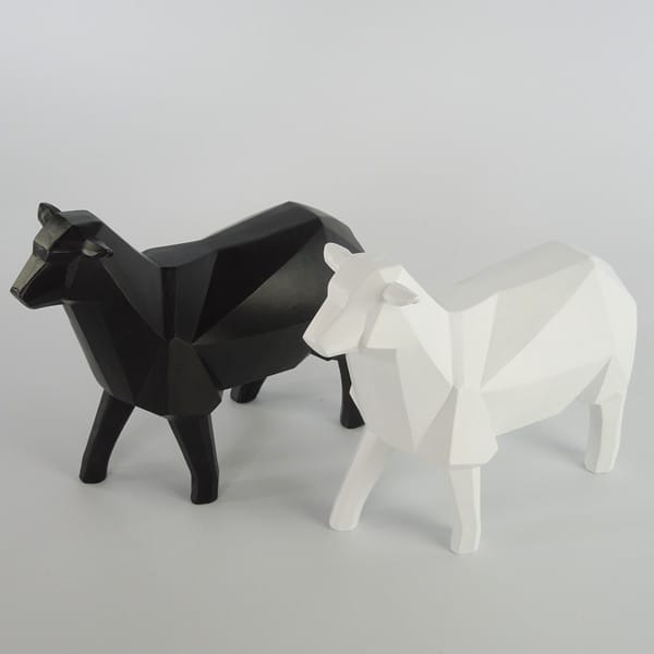 Polygon Design Resin Animal Figurine Blank And White Sheep Figure