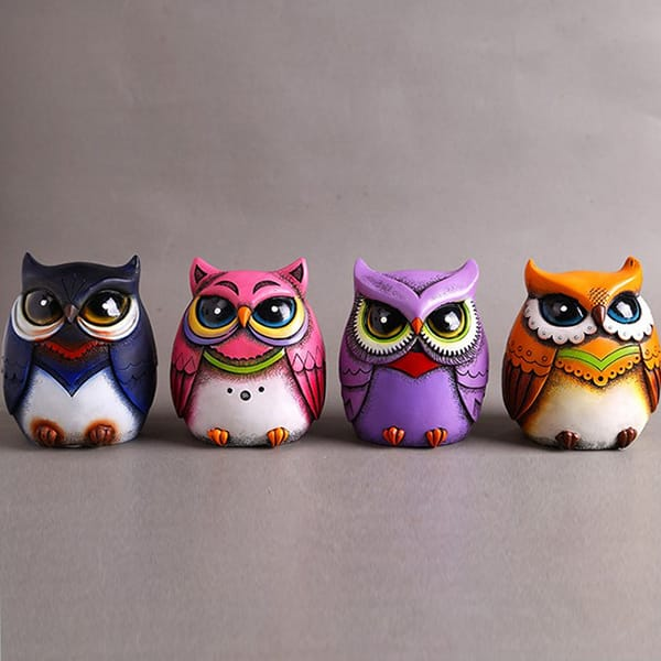 Resin cartoon owl figurine (7).JPG